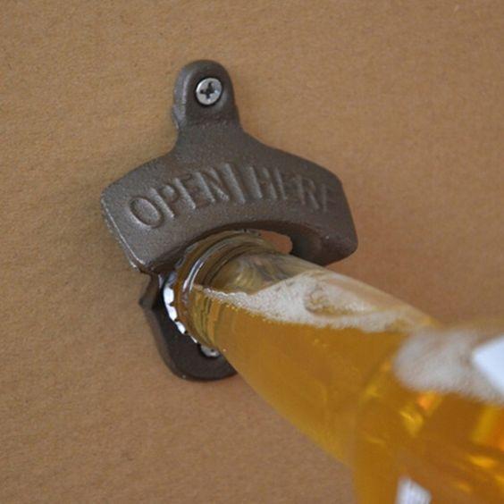Liatinový otvárač na fľaše